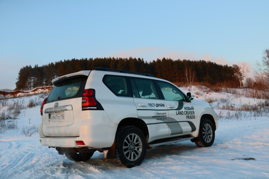 Toyota Land Cruiser Prado фото