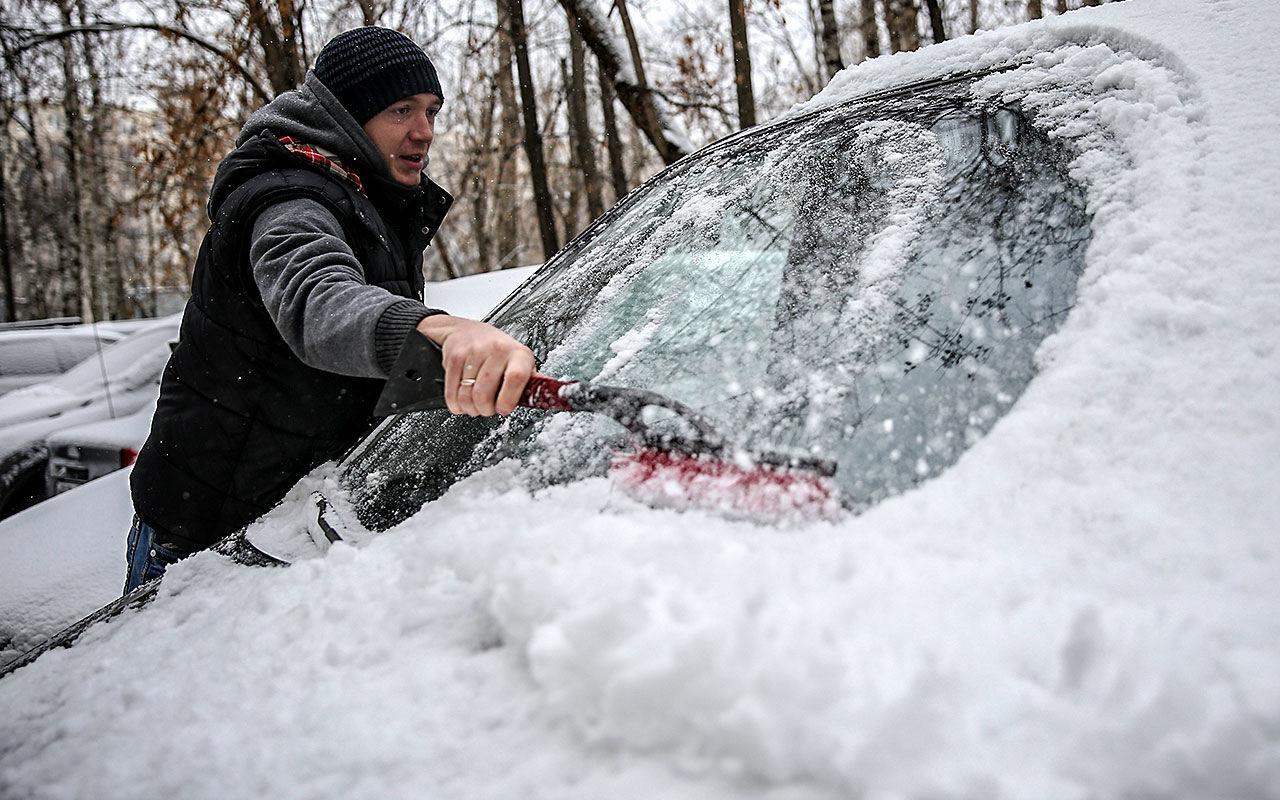 чистка авто от снега